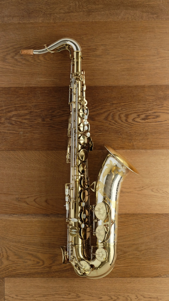 (used) King Super 20 'Full pearls' Cleveland Silversonic Tenor Saxophone circa.1947